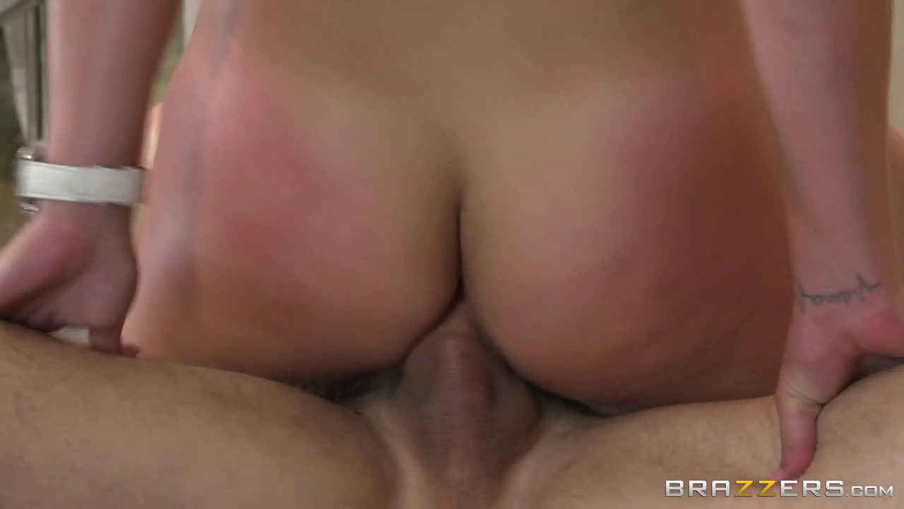 Dirty Masseur: Big Cock In The Back Pocket. Kelsi Monroe, Erik Everhard